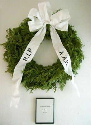 / Commemoration Wreath Offered by the American Association of Museums (A.A.M.)